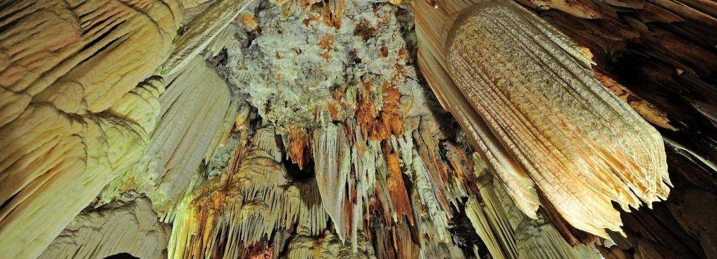 cuevas-aguila-Arenas-Candeleda