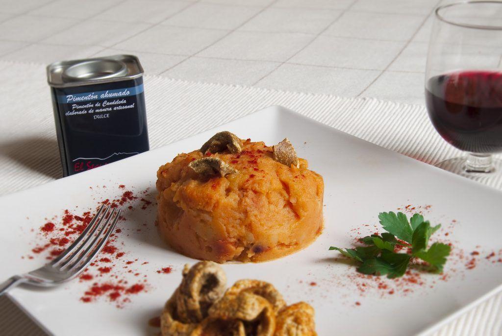 Patatas revolconas con pimentón El Sequero