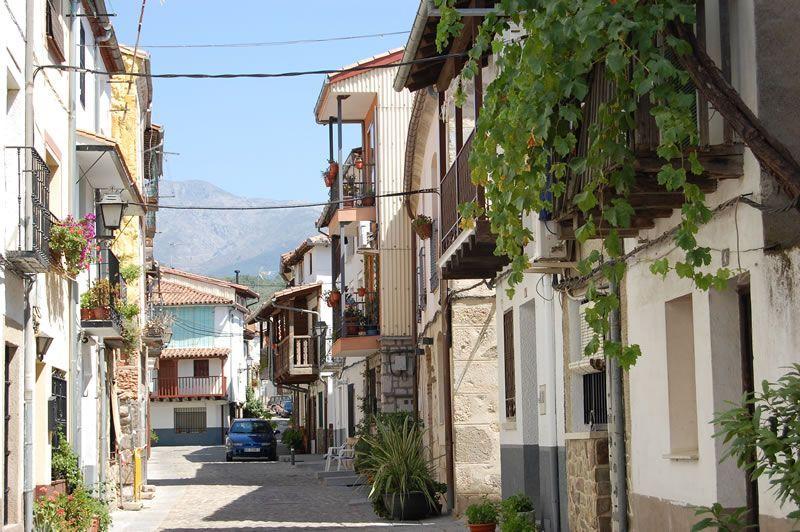 Calle de la Corredera en Candeleda