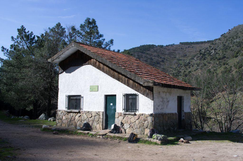 Refugio de albarea. Imagen de www.dutasconsendas.blogspot.com.es