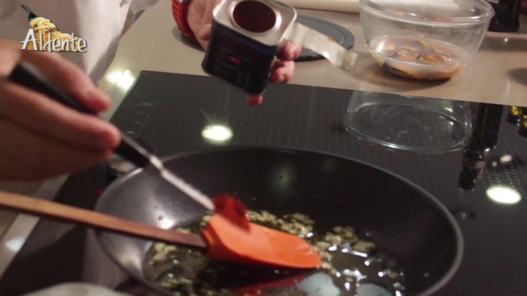 Mejillones en salsa con Pimentón El Sequero