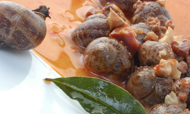 Caracoles en salsa de jamón y pimentón El Sequero